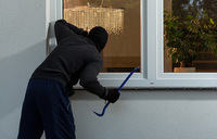 How to safeguard your home while away for Christmas