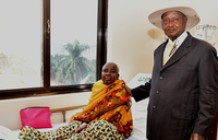 Museveni visits Rwenzururu queen mother in hospital