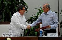 FARC, Colombian govt strike new peace deal