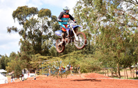 Motocross star Barak vows to defend title