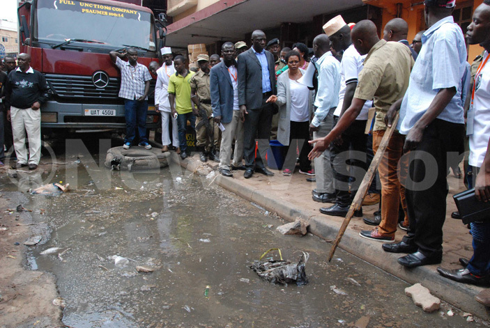 raders showing the minister sewage on the streets