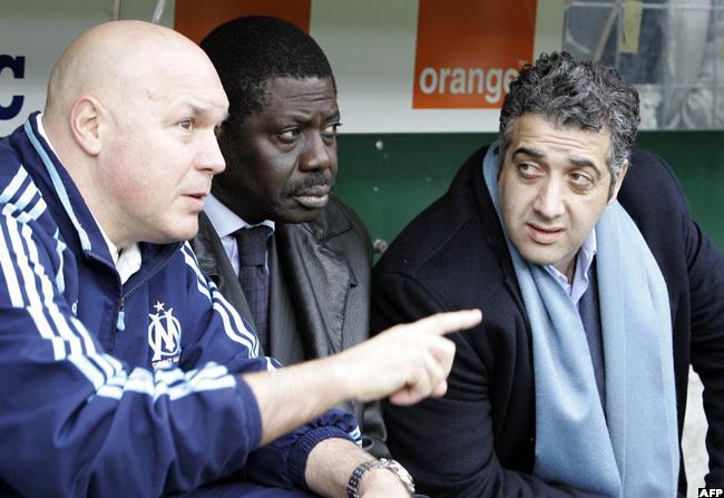 24 2007 iouf flanked by anadian businessman ack achkar  and arseilles coach ose nigo