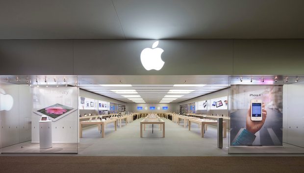A tale of two Apple Stores (the first two)