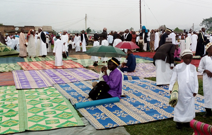 id prayers led by the regional adhi uhammad rumba were disrupted by rain hoto by eoffrey yamwongera