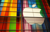 Apple turns green, claiming '100% clean energy'