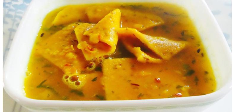 बेहतरीन गुजराती डिश है 'दाल ढोकली'