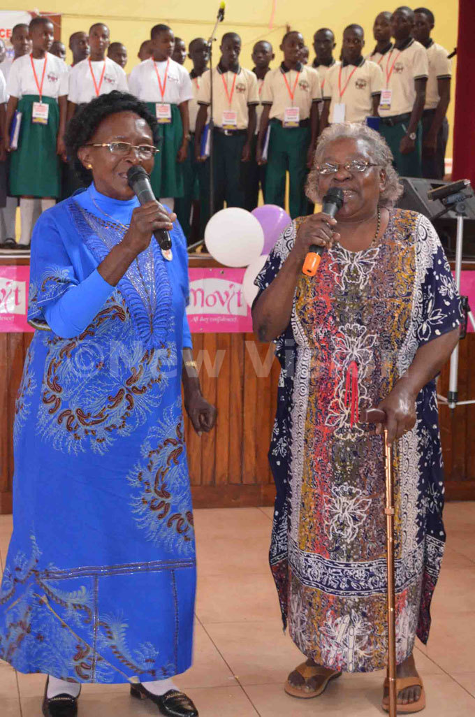 eddy ampeera left and ustine asule who sang in t eters asilica ome in 1964 also crooned a song