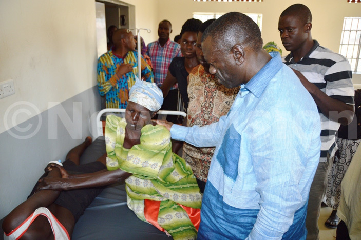 esigye checking the injured persons at oroma health centre