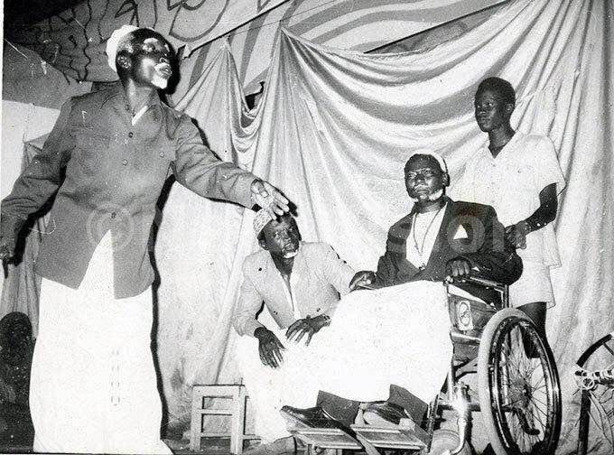 akayimbira dramactors a scene in diwulira showing zee obu 1992