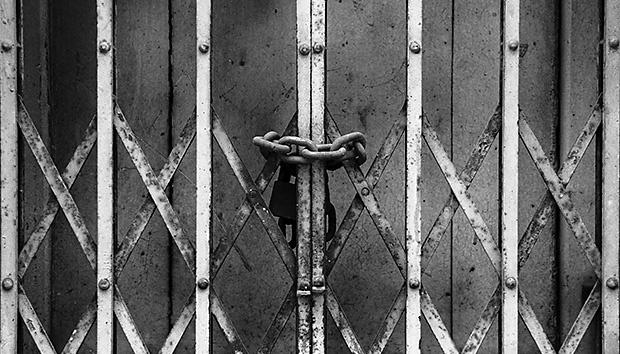 lockedgate100630934orig