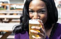 Do women get drunk on alcohol faster than men?