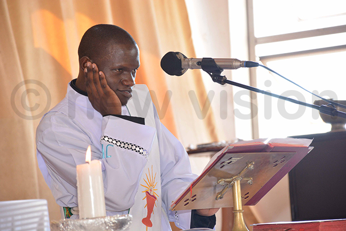 eacon oseph alikudembe told worshippers to drop selfpity and regrets and focus on the new life that comes with resurrection hoto by imothy urungi