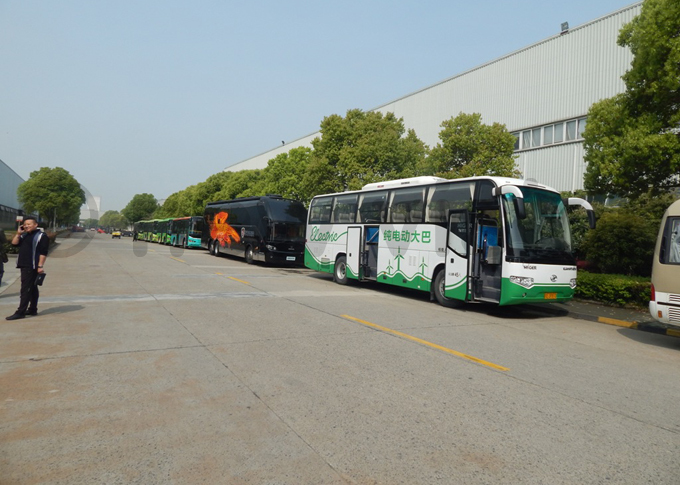 fleet of buses in hinas iangsu rovince produced by iger us ompany that considers ast frica a potential market hoto by addeo wambale
