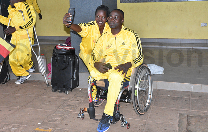 he national wheel chair basketball men and women team members at ational ouncil of ports in ugogo before departure to airobi for the ast and entral frica heel hair asketball hampionship hoto by ohnson ere