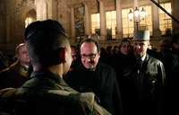 France's Hollande in Iraq to review war on IS
