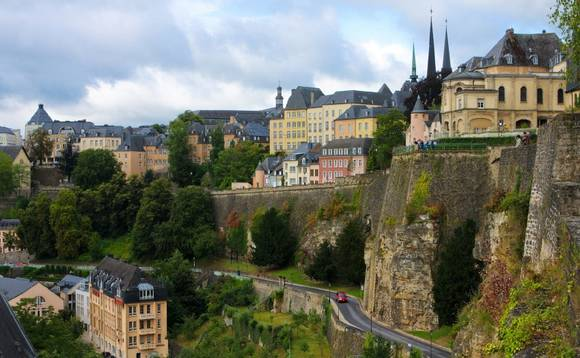 Schroders to axe up to 100 jobs in Luxembourg