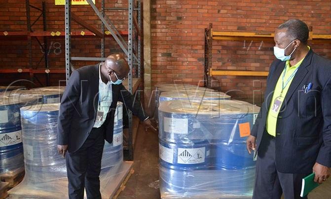 Uganda receives 50,000 litres of chemicals to spray desert locusts