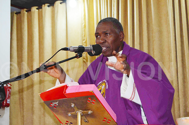 sgr erald alumba delivers his homily during the memorial mass