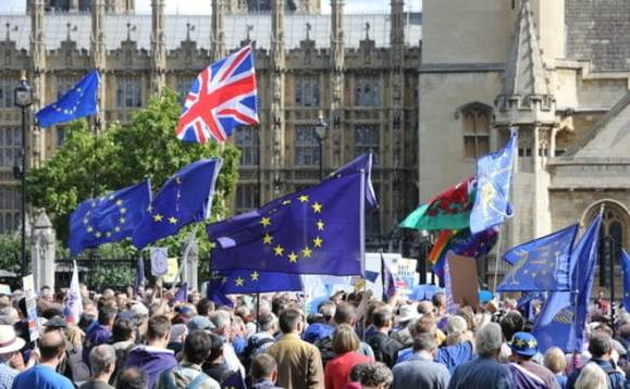 Britain faces being sued by millions of expats living in the EU: Brexit