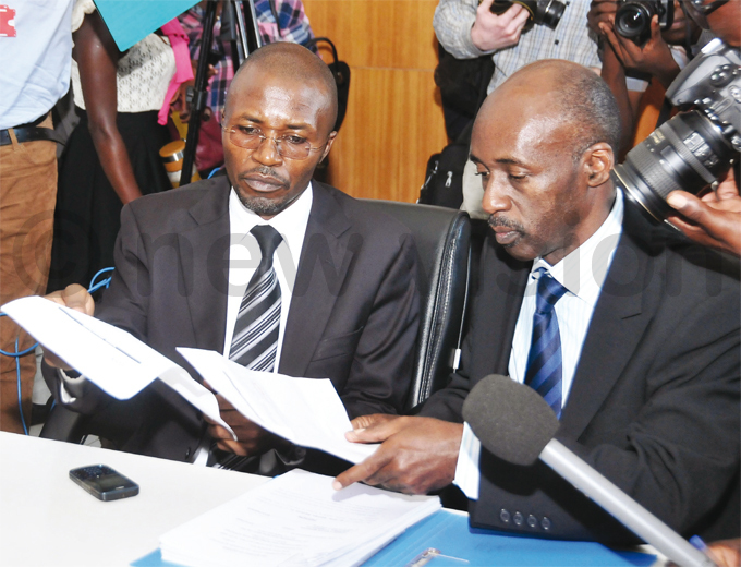 babazis lawyers winobusingye left and kampurira right fi ling a petition at the upreme ourt hoto by enis ibele