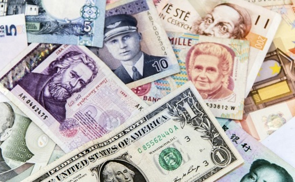 Pimco expands currency management team