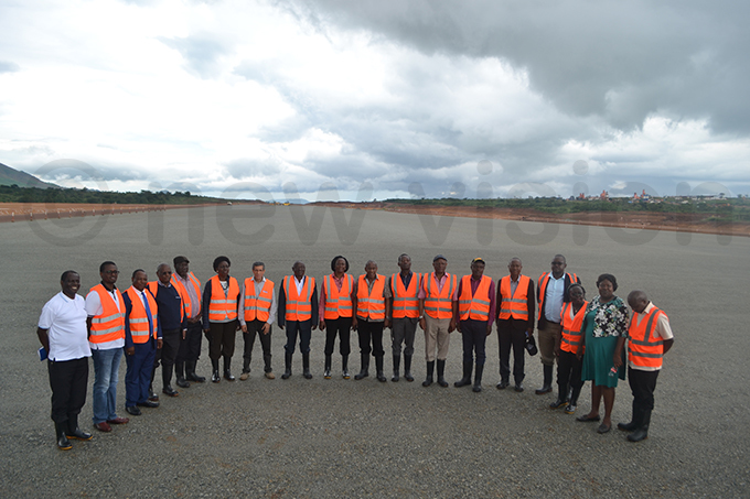officials during the tour of the ongoing works at oima nternational irport hoto by obert tuhairwe