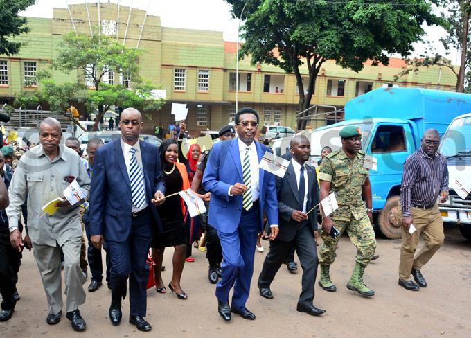 inston gaba aj en im uhwezi  president obert agolo and t ol addy nkunda during the walk hoto by iriam amutebi