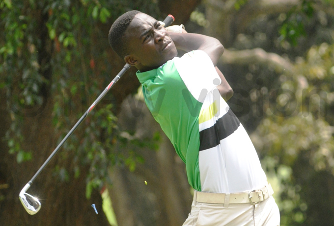 gandas avid amulindwa is two strokes off the lead hoto by ichael subuga