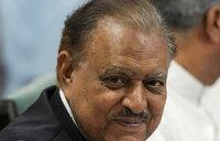 Pakistan lawmakers begin electing new president