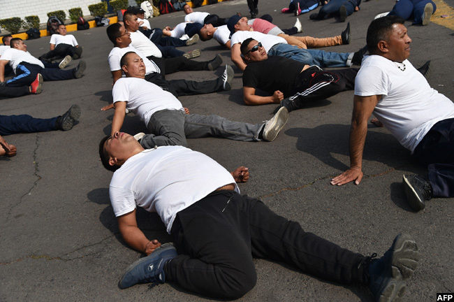 1000 exico ity police officers have joined a program to lose weight improve their health and do their work more efficiently in a country where 75 of the adults are overweight or obese