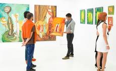 Chinese art market soars as int'l investors look east