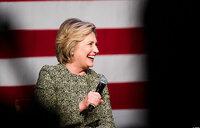Trump urges former rival Clinton to again seek presidency
