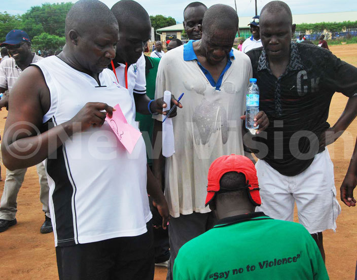 articipants doing registration after finishing the 8km race to promote education in ebbi