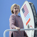 Clinton returns to tightening White House race