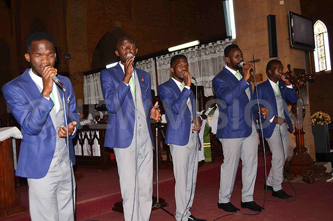 he anaan ents performing a hristian hymn