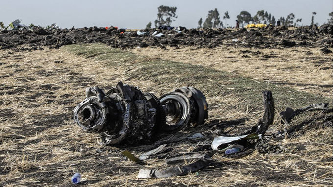 ebris from the crashed thiopia irlines oeing 737  plane some 60 kilometres southeast of the capital ddis baba on arch 11 2019 ile hoto