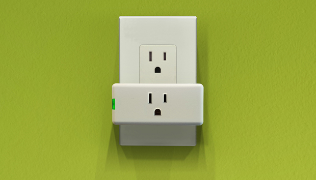 Leviton Decora Mini Plug-In Outlet (model DW15P) review: Leviton's Wi-Fi smart plug goes on a diet