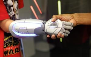 star-wars-bionic-hand