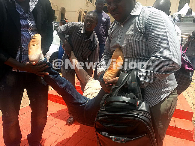 his resident collapsed within the court premises after the verdict redit arooq asule