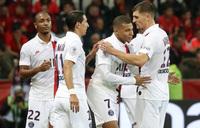 Di Maria, Mbappe guide PSG past nine-man Nice