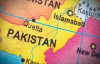 Bomb on Pakistan passenger train kills at least six
