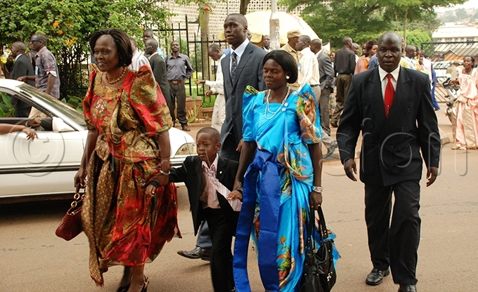 nywar arriving for the swearing in ceremony at arliament in ay 2011 ile hoto