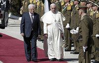 Pope takes pilgrimage to Bethlehem