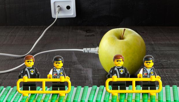apple-security-lego