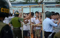 100 Vietnamese addicts escape rehab centre