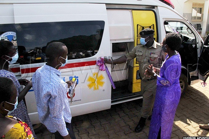ealth inister r ane uth ceng commissions the ambulance she gave ira hospital