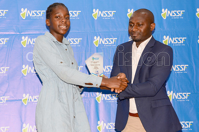amutebi left was swimmer of the year 2016