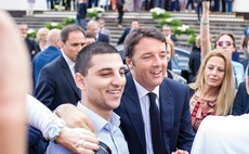Managers keep faith with Italy ahead of PM Renzi's make-or-break referendum